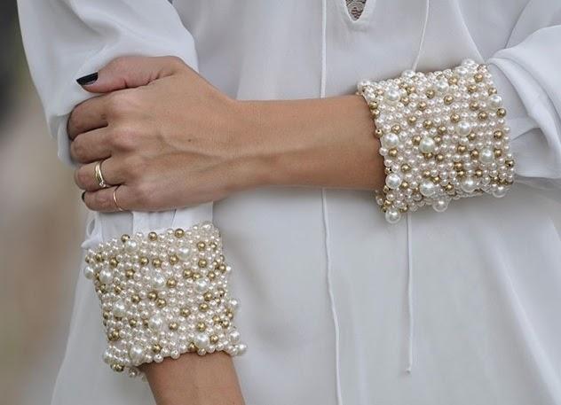 Pérola_Túnica branca com punhos bordados