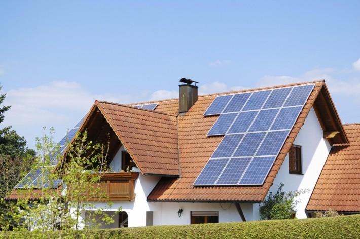 casa-sustentavel-energia-solar-gabrielafurquim